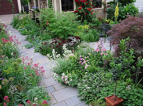Designing The Bungalow Garden: How To Create Your Own Personal